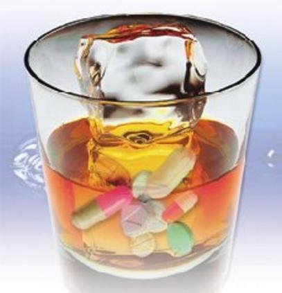 Алкоголь и антибиотики: можно ли принимать их одновременно.